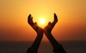 hands sun