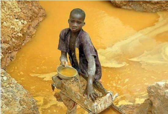 Tutto il mondo vuole il cobalto, tutto il cobalto è in Congo: perché quindi in Congo muoiono di fame?