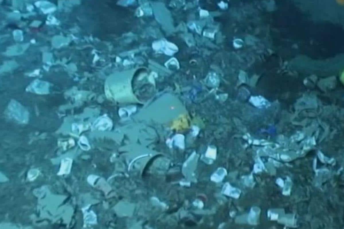 Il terribile video che mostra le dune di rifiuti sui fondali marini del Mediterraneo