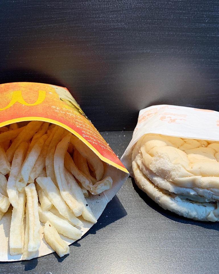 L'ultimo hamburger del McDonald's d'Islanda compie 10 anni ed è ancora tutto intero